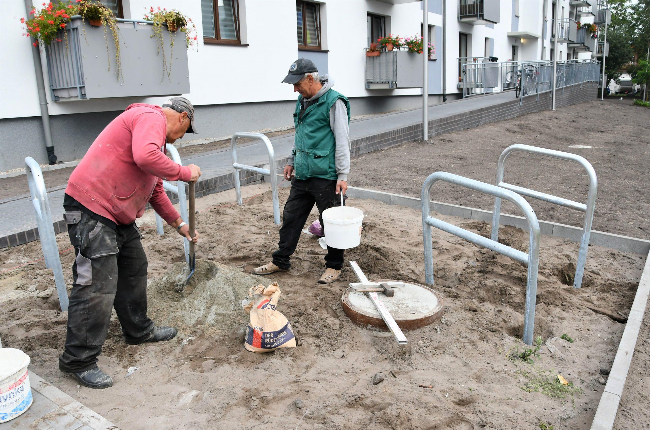 Świnoujście - Kolejnych 100 stojaków na rowery stanęło w naszym mieście