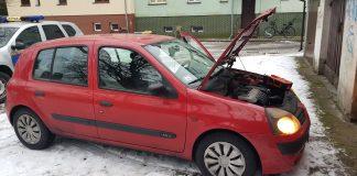 Świnoujście - Straż miejska na ratunek - Strażnicy odpalili auto urządzeniem rozruchowym