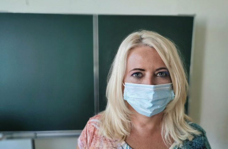 nauczyciel - szczepienia na covid