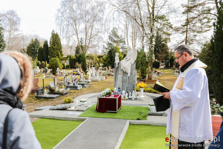 Świnoujście - Pogrzeb dziecka utraconego