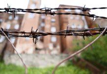 Zasieki - obóz - segregacja